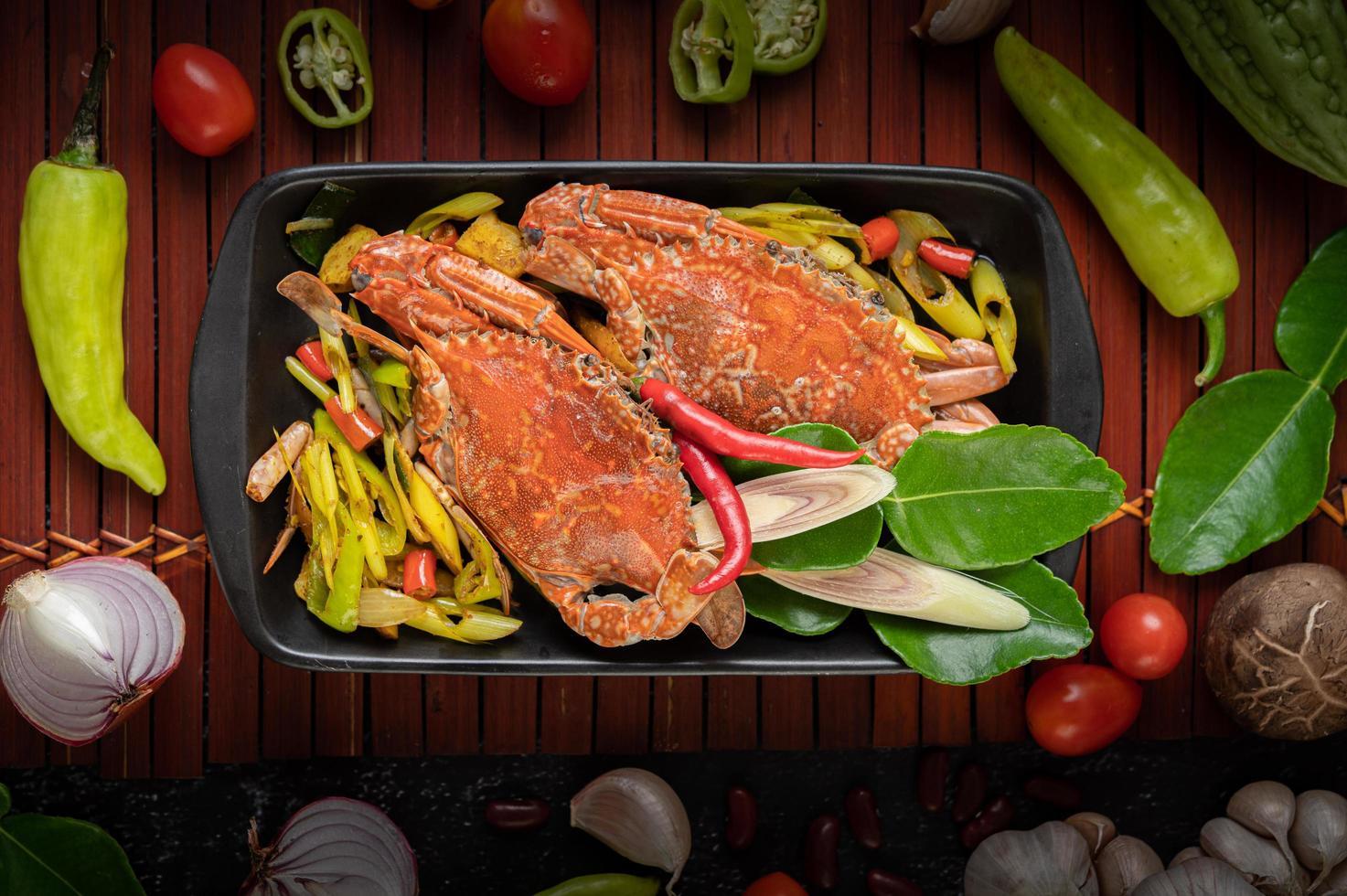 plato de cangrejo salteado foto