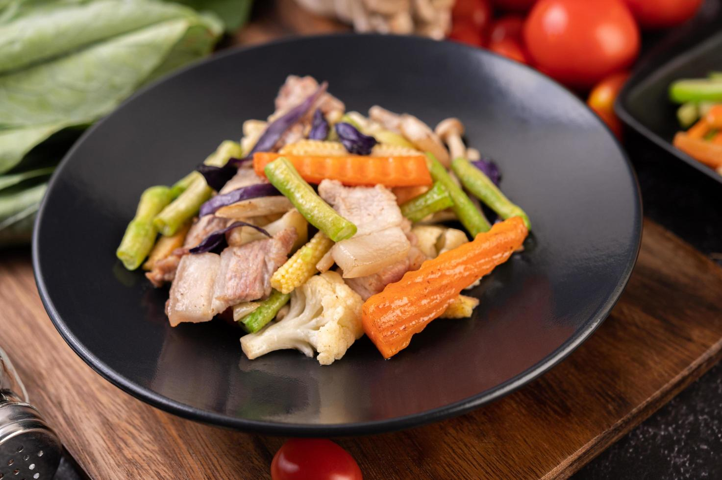 sofreír verduras con panceta de cerdo foto