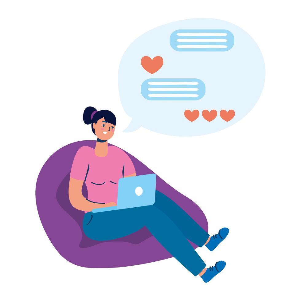 mujer joven, sentado, en, sofá, usar la computadora portátil, charlar vector