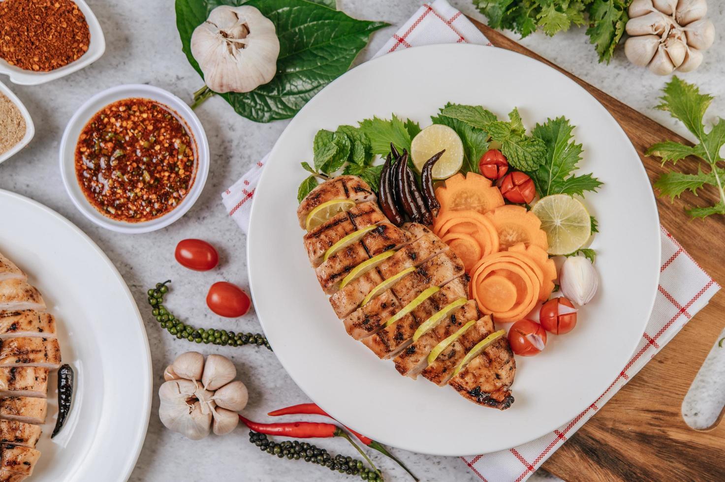 Sliced grilled gourmet chicken photo