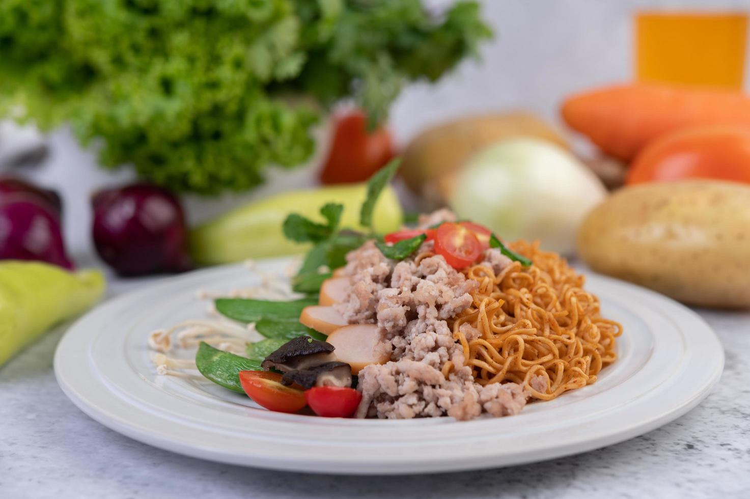 Stir-fried noodles with mixed vegetables photo