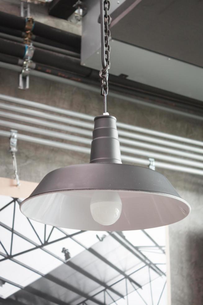 lámpara de metal industrial foto