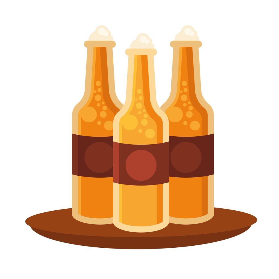 Botellas de cerveza en diseño vectorial de bandeja vector