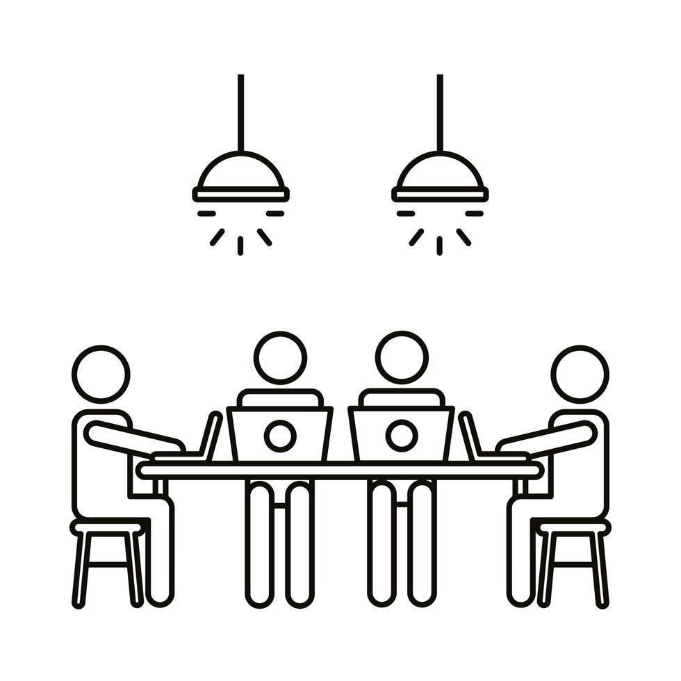 cuatro trabajadores en la mesa con el icono de estilo de línea de computadoras portátiles vector