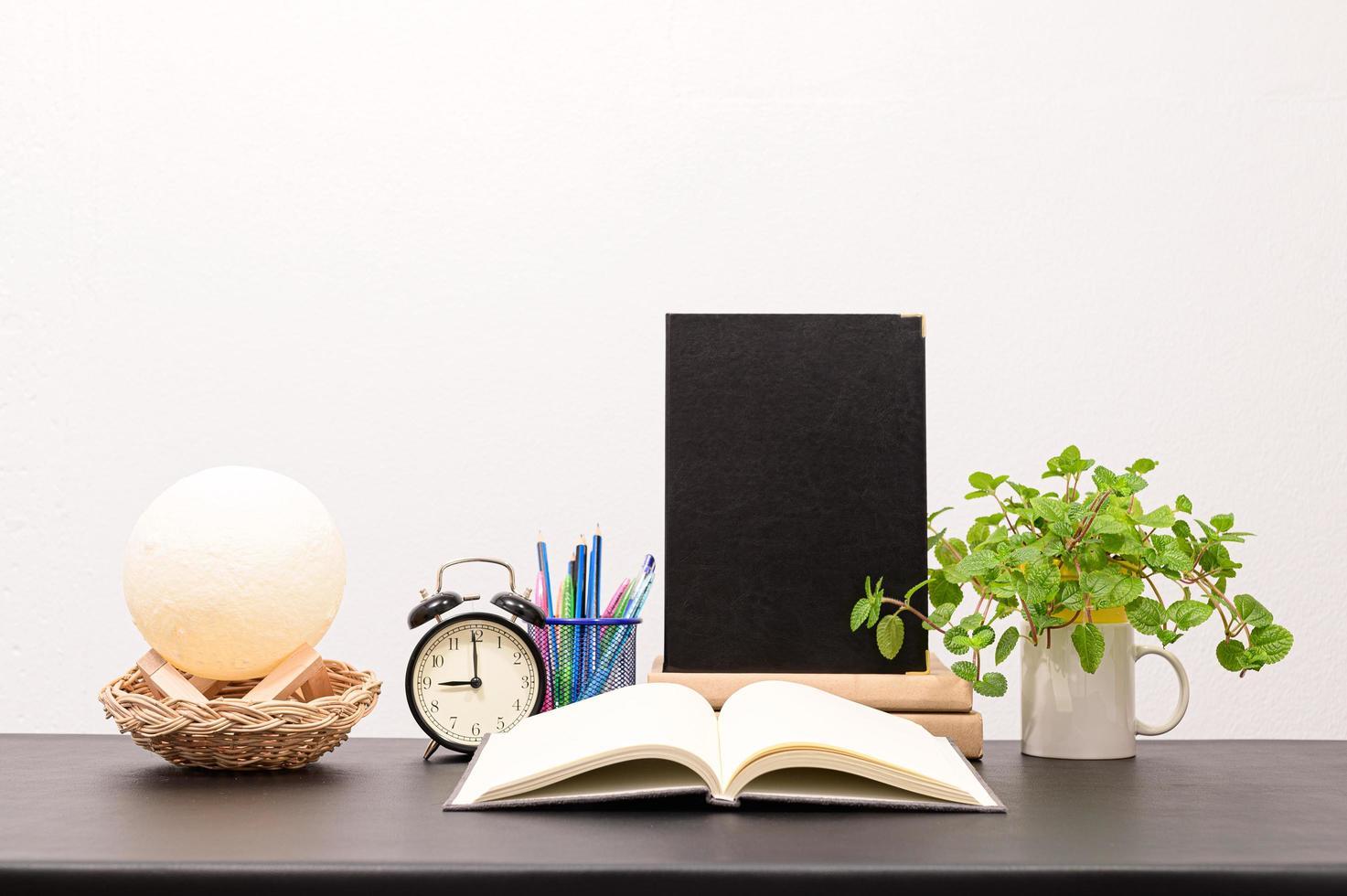 libros en el escritorio foto