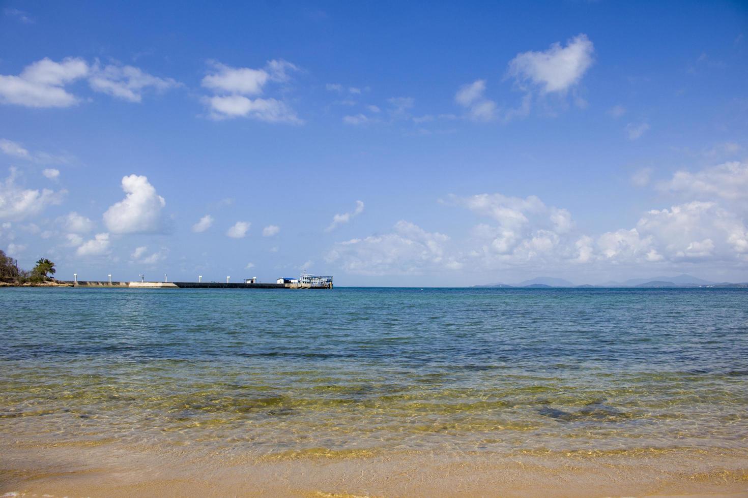 la playa vacía foto