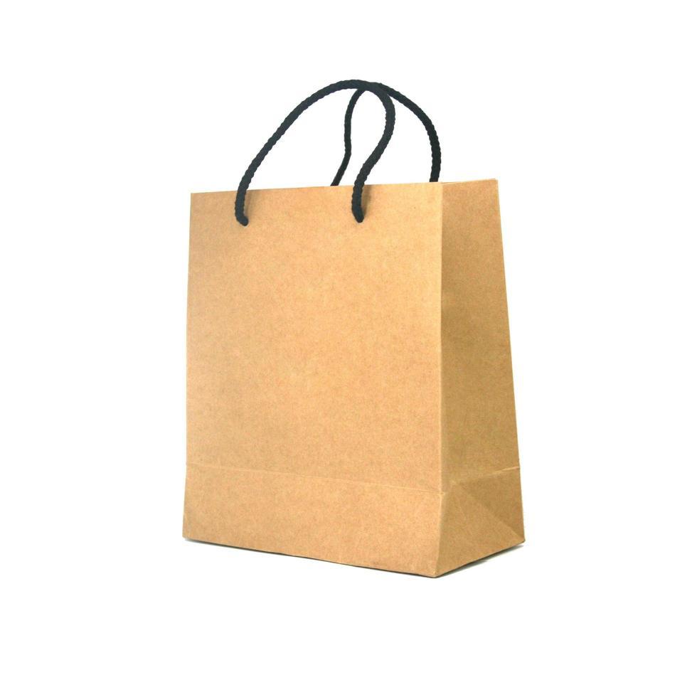 bolso marrón sobre blanco foto