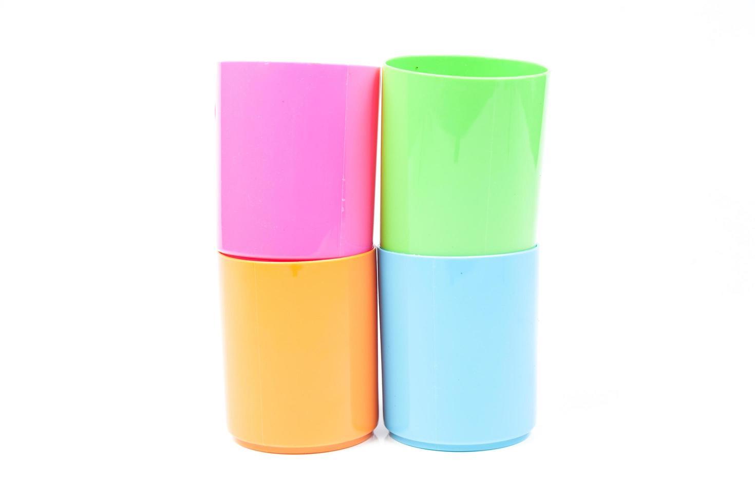 vasos de plástico de colores foto