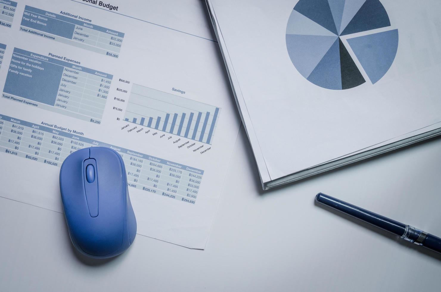 gráficos y diagramas de negocios foto