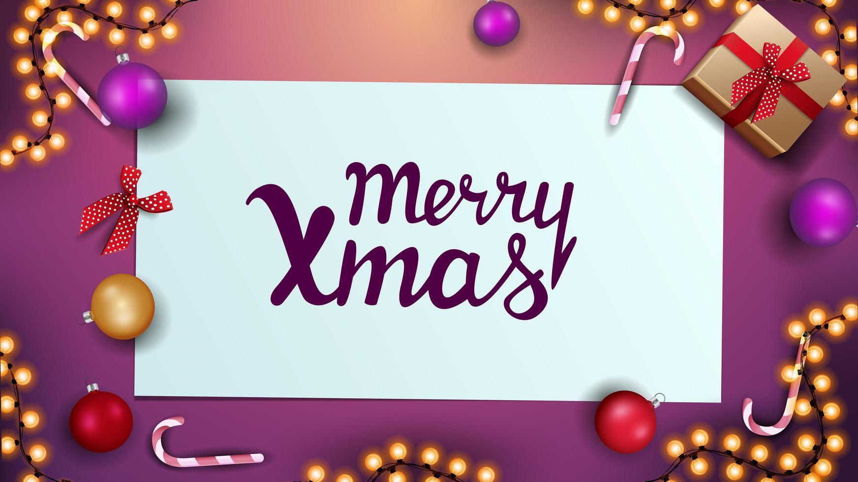 feliz navidad, tarjeta de felicitación rosa con bolas navideñas, bastones de caramelo, guirnaldas y regalos, vista superior vector