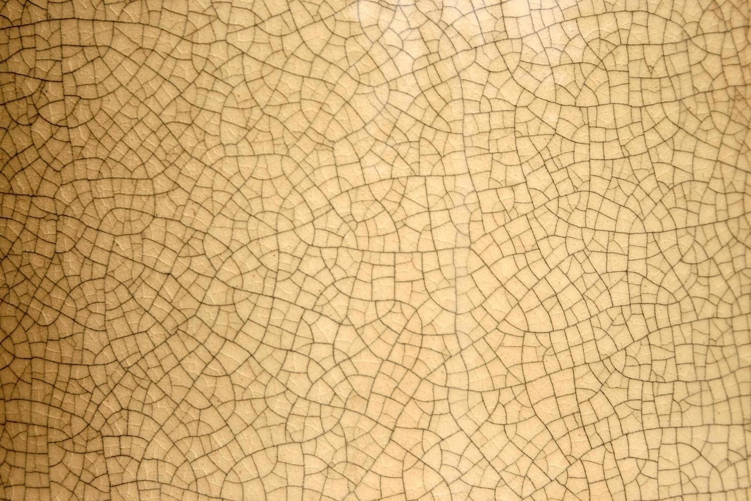 pared marrón agrietada foto