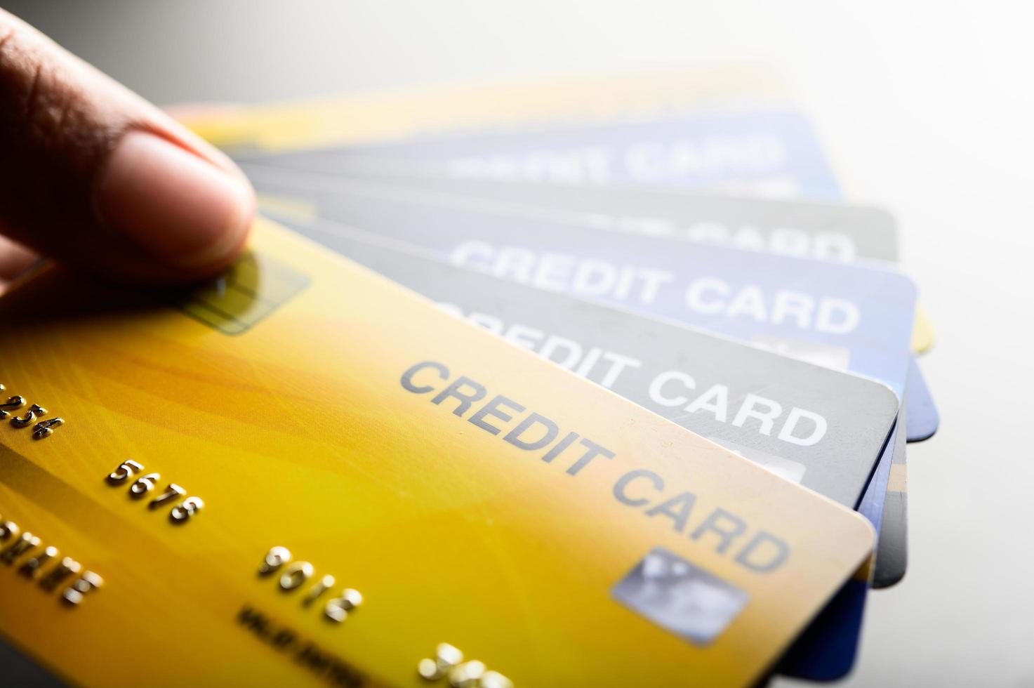 imágenes de primer plano de varias tarjetas de crédito foto
