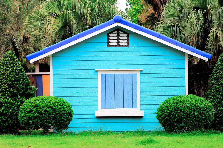 casa de madera colorida foto