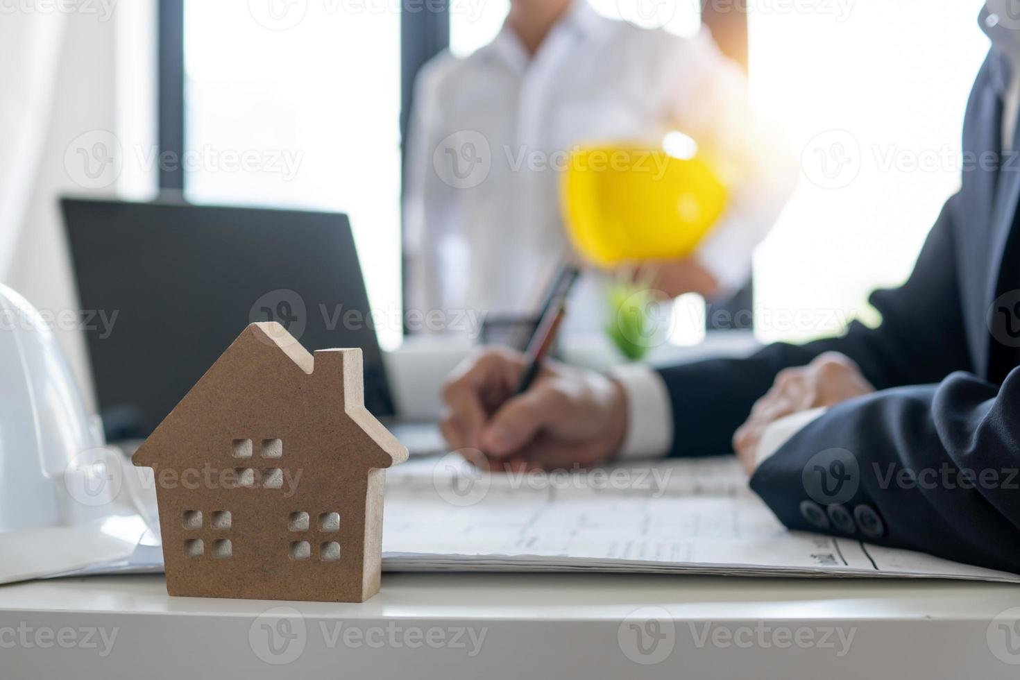 Home buyers are signing contract photo