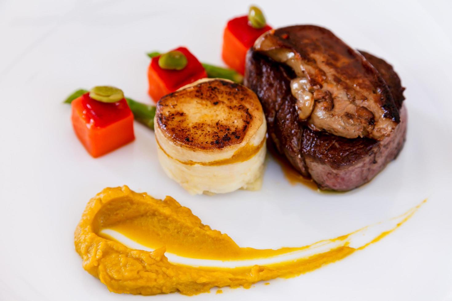 Plato de filete de solomillo de filete premium australiano foto