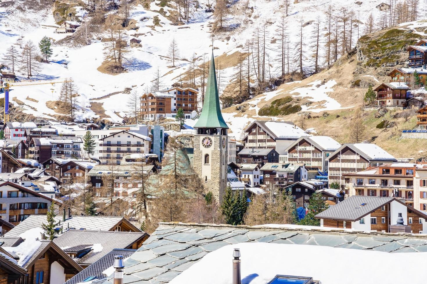 hermosa vista de zermatt, suiza foto