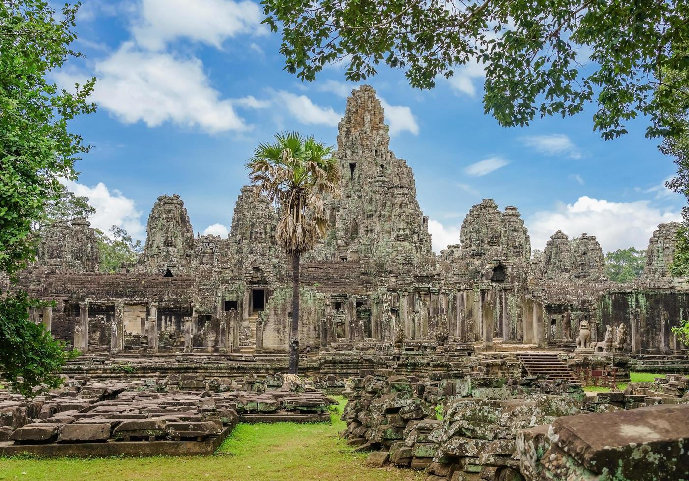 Antiguo templo Bayon Angkor Complex, Siem Reap, Camboya foto