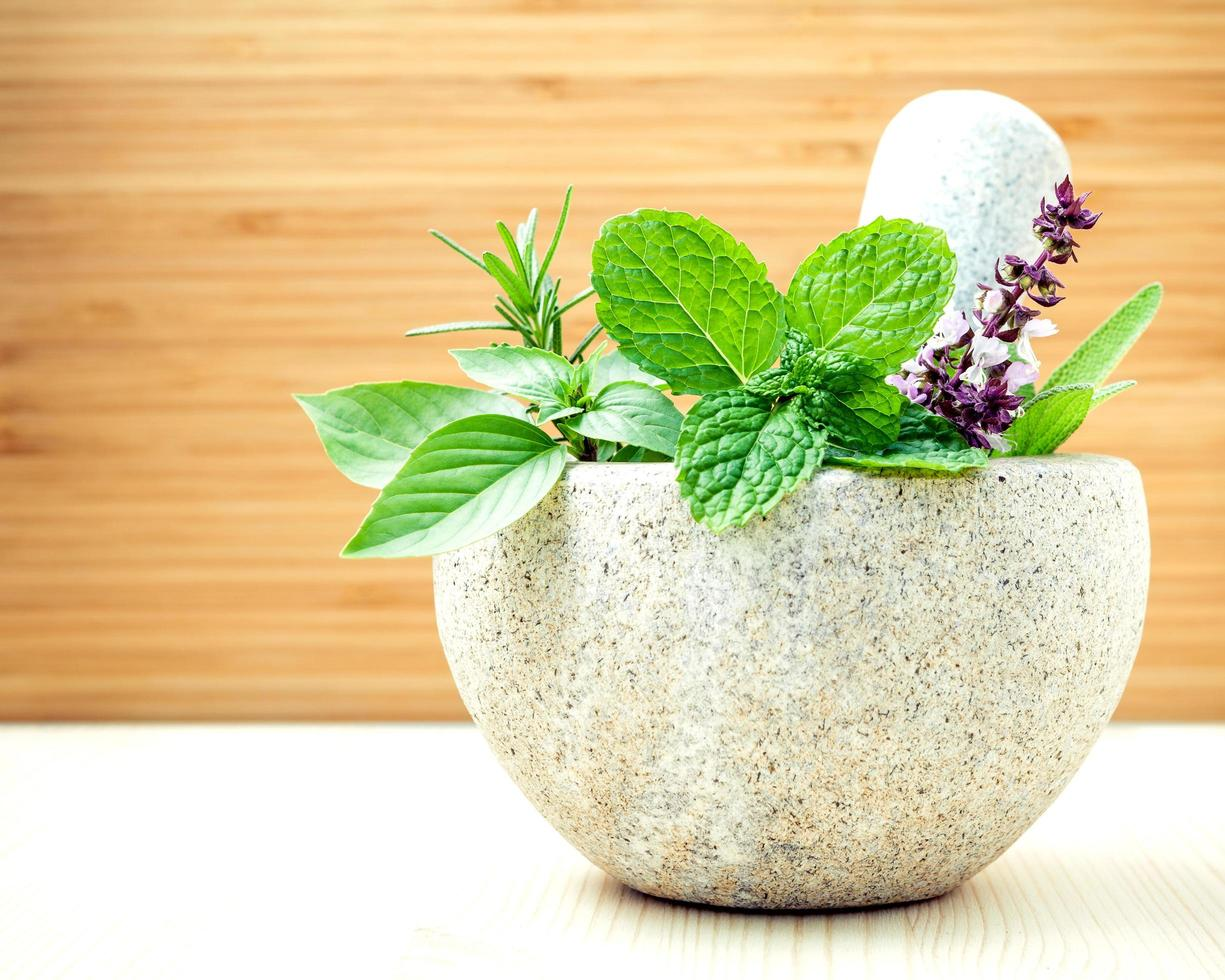 atención médica alternativa y medicina herbal. foto
