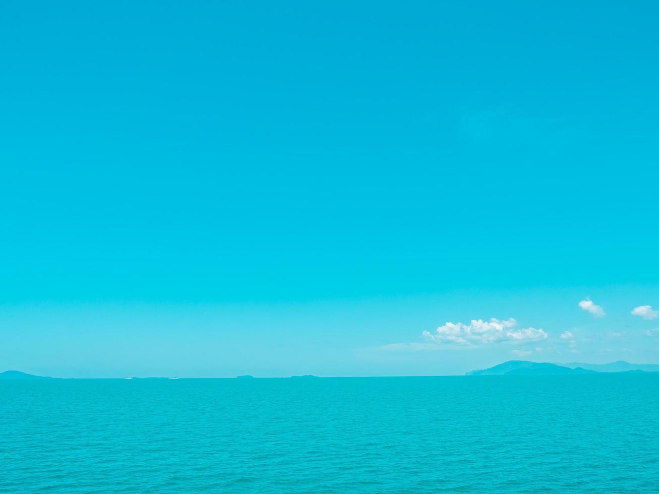 hermoso mar tropical foto