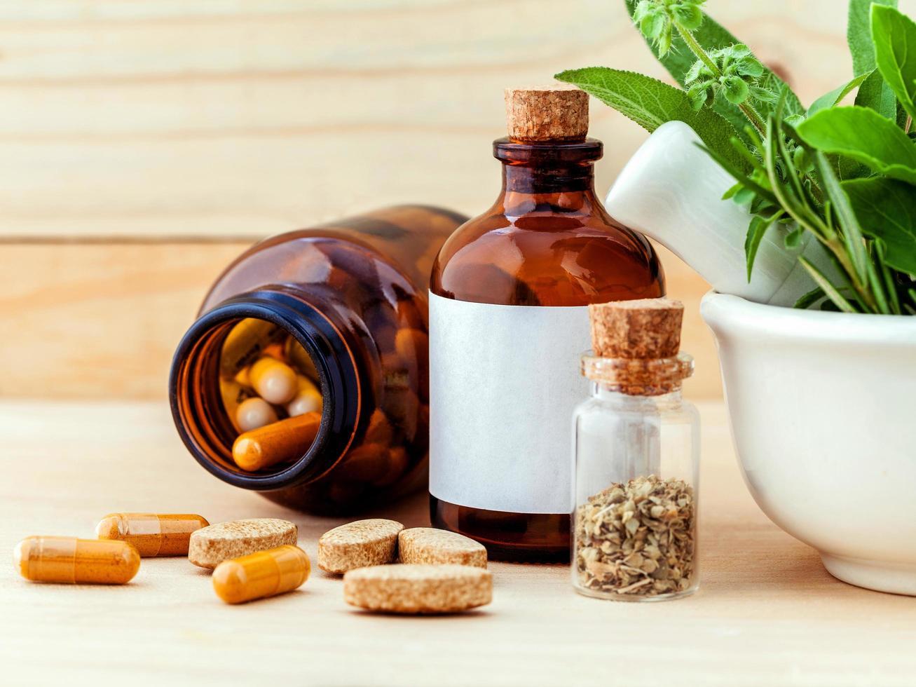 pastillas y semillas para medicina alternativa foto