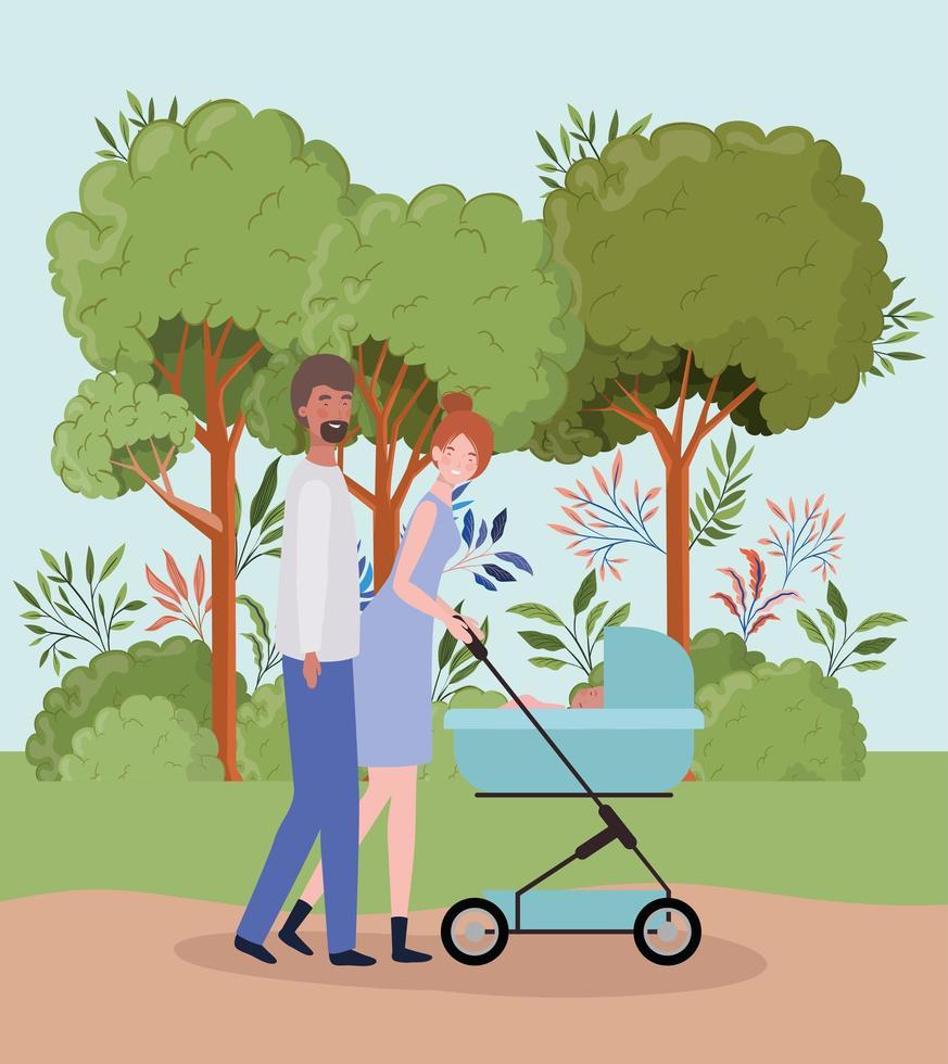 Los padres interraciales que cuidan a un bebé recién nacido con un cochecito en el parque vector