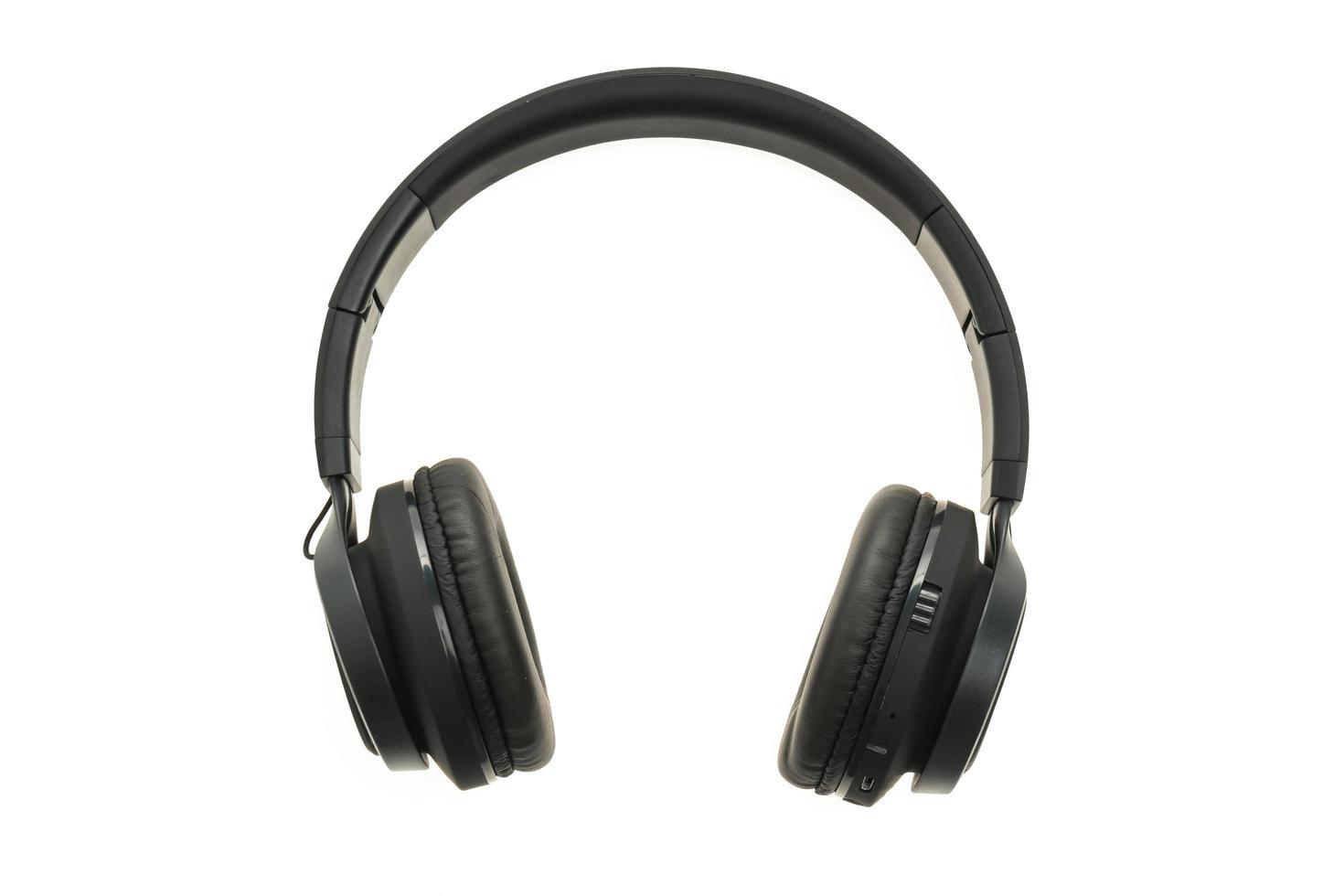 auriculares sobre fondo blanco foto