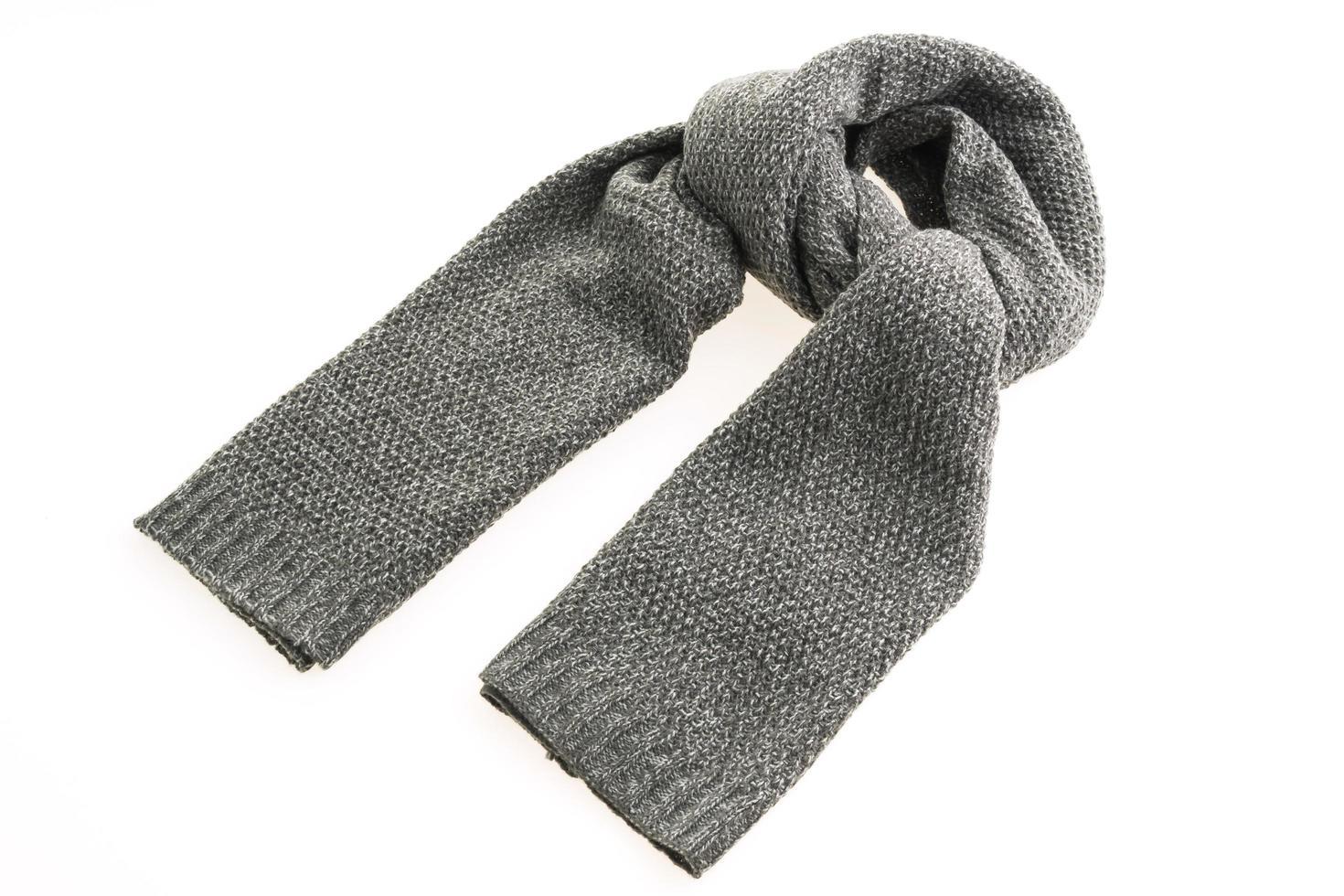 bufanda gris sobre fondo blanco foto