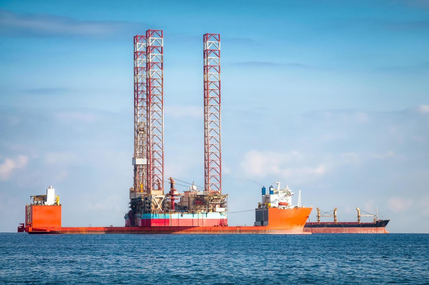 buque para plataforma petrolífera semisumergible foto