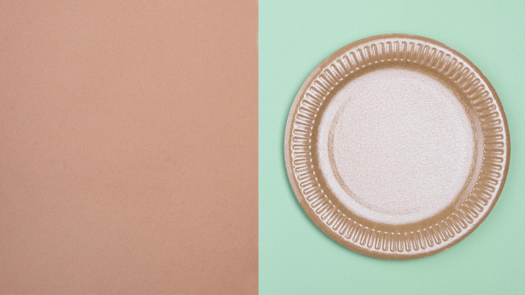 plato de papel con espacio de copia foto