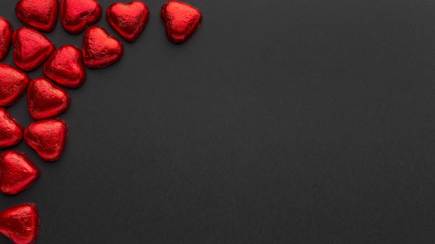 corazones rojos y espacio de copia foto