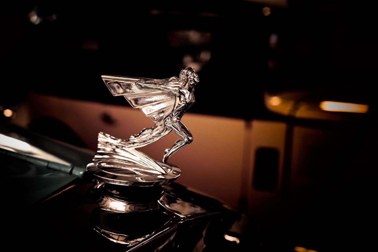 2016 - editorial ilustrativa de una parrilla de automóvil graham-paige foto