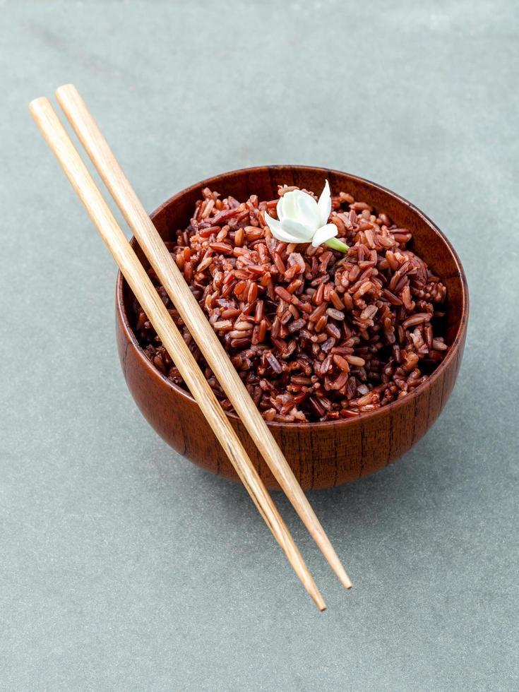 Steamed long-grain rice photo
