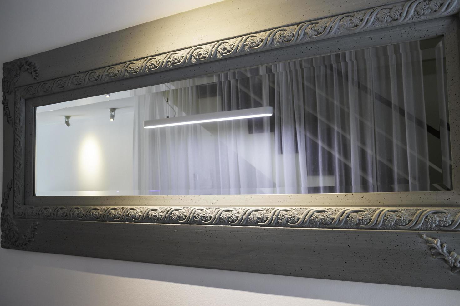 luz suave en un espejo foto