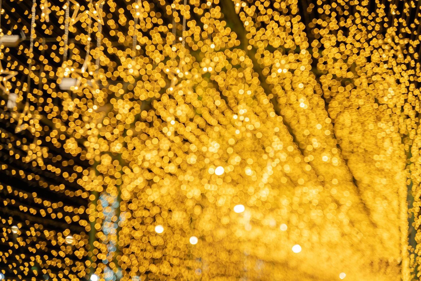 luces de navidad doradas foto