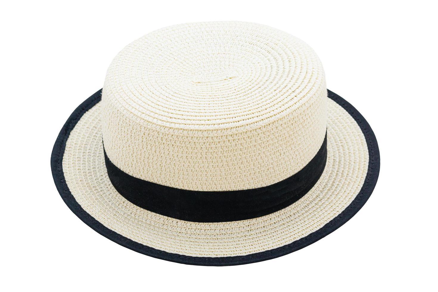 Bonito sombrero de paja aislado sobre un fondo blanco. foto