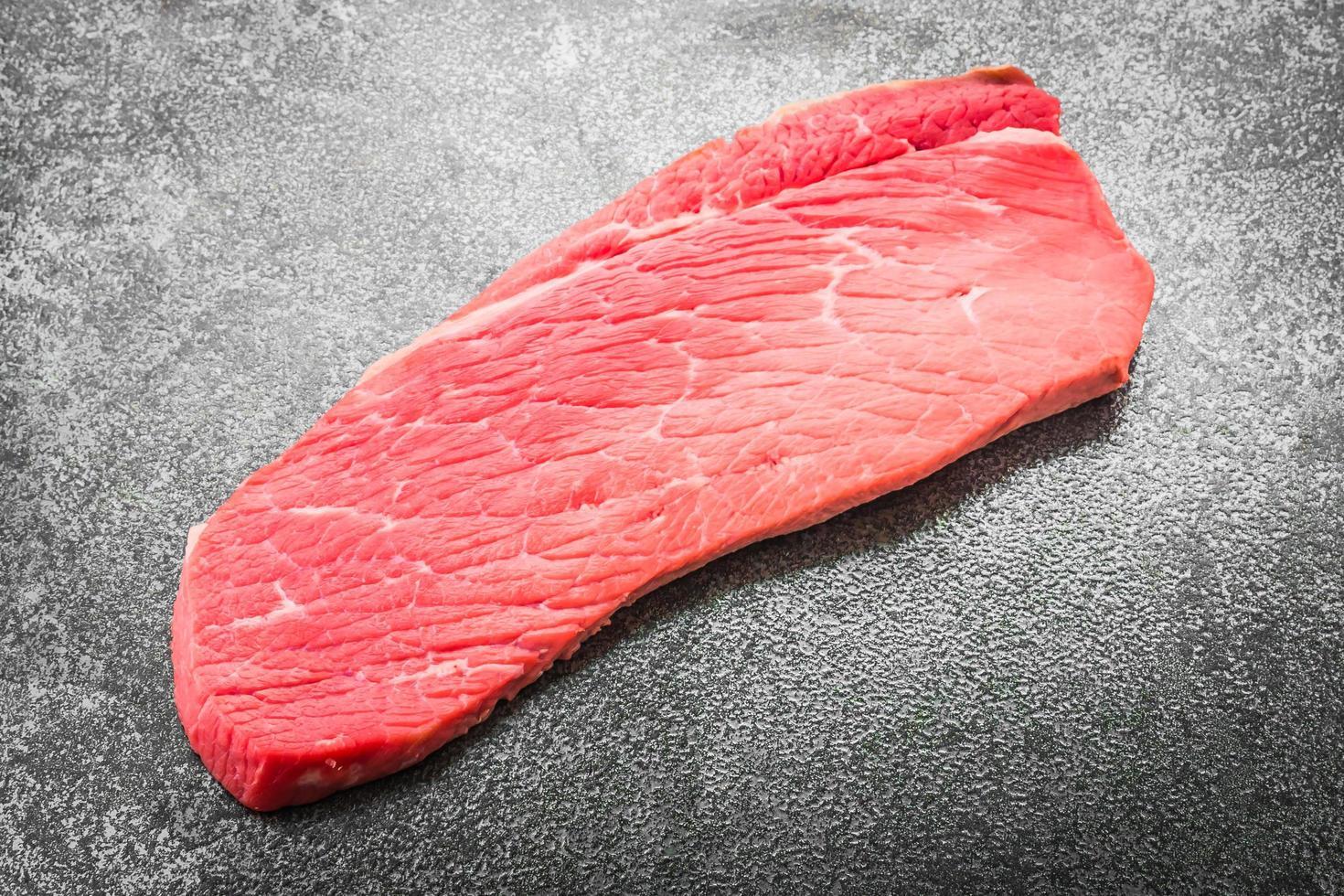 carne de res cruda foto