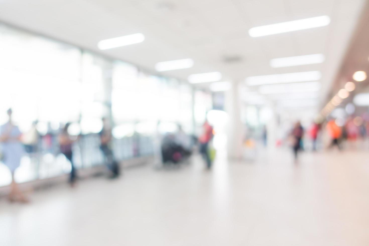 Interior del aeropuerto desenfocado abstracto para el fondo foto
