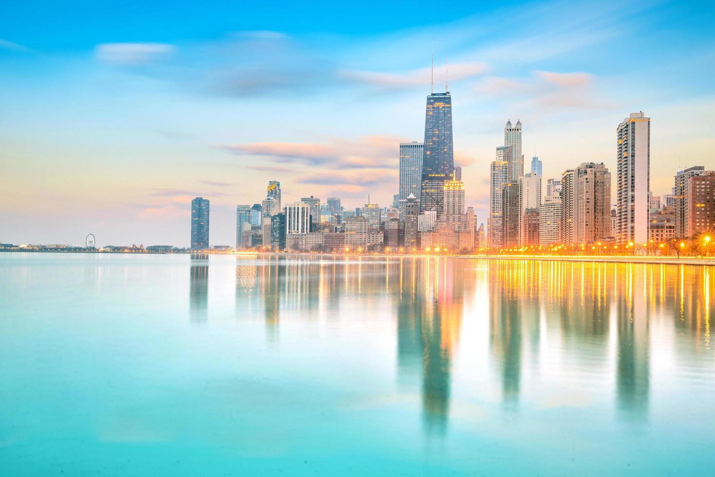 Horizonte del centro de Chicago al atardecer, Illinois foto