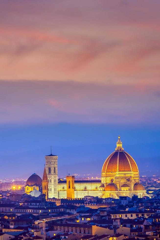 El Duomo y la ciudad de Florencia centro de la ciudad de Italia. foto