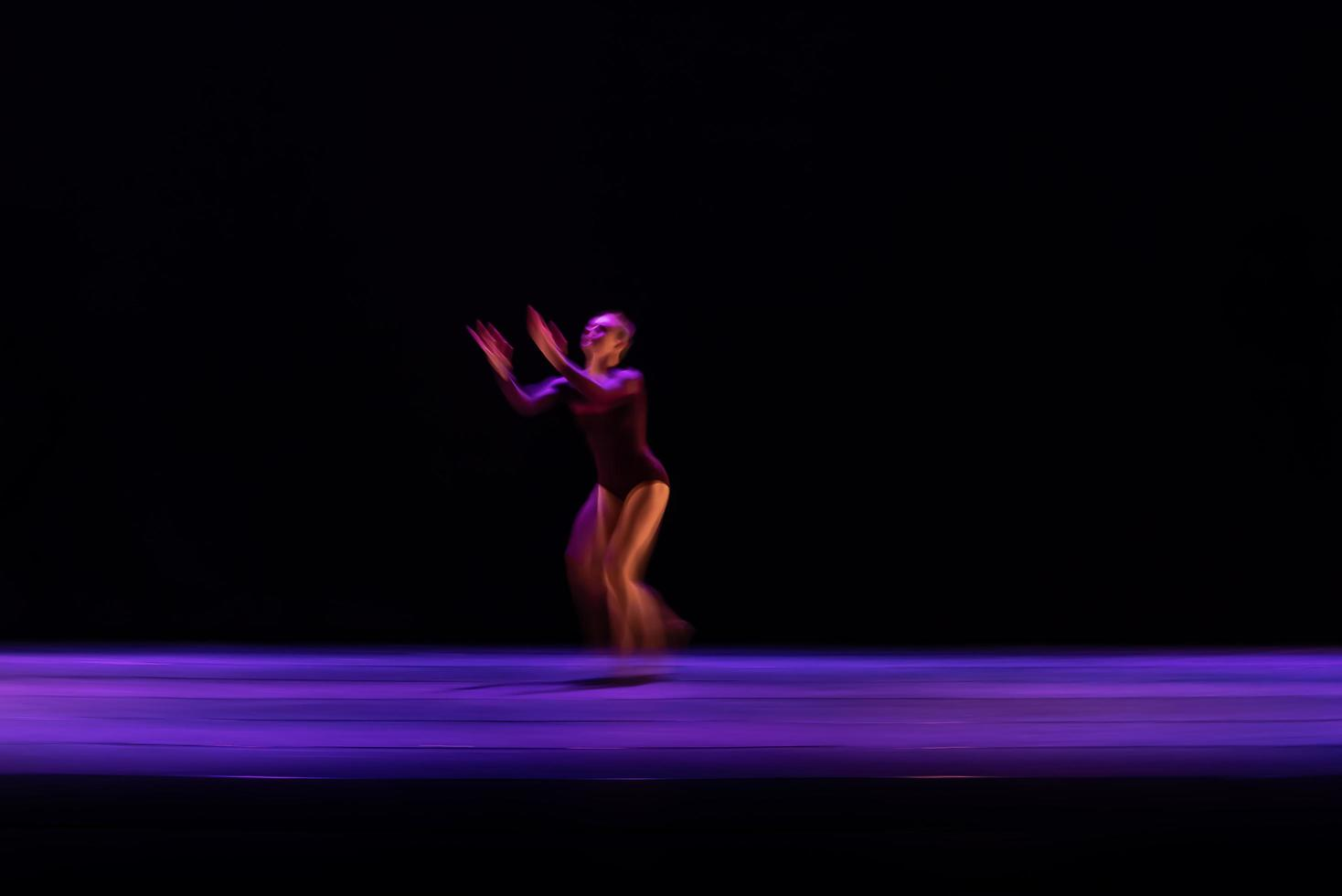 el movimiento abstracto de la danza foto