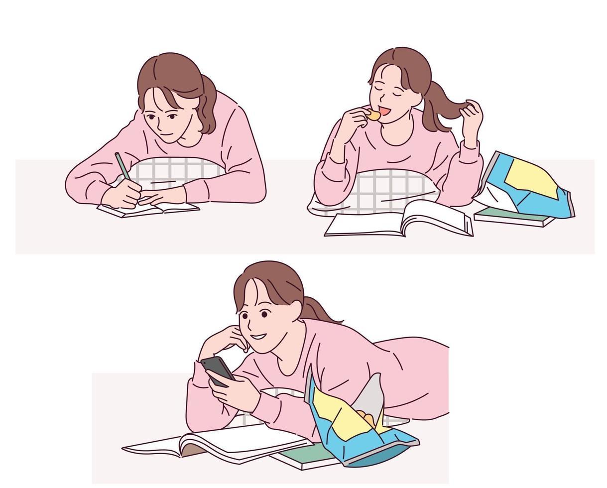 una niña está acostada cómodamente en el suelo, escribiendo, comiendo bocadillos y mirando su teléfono celular. vector