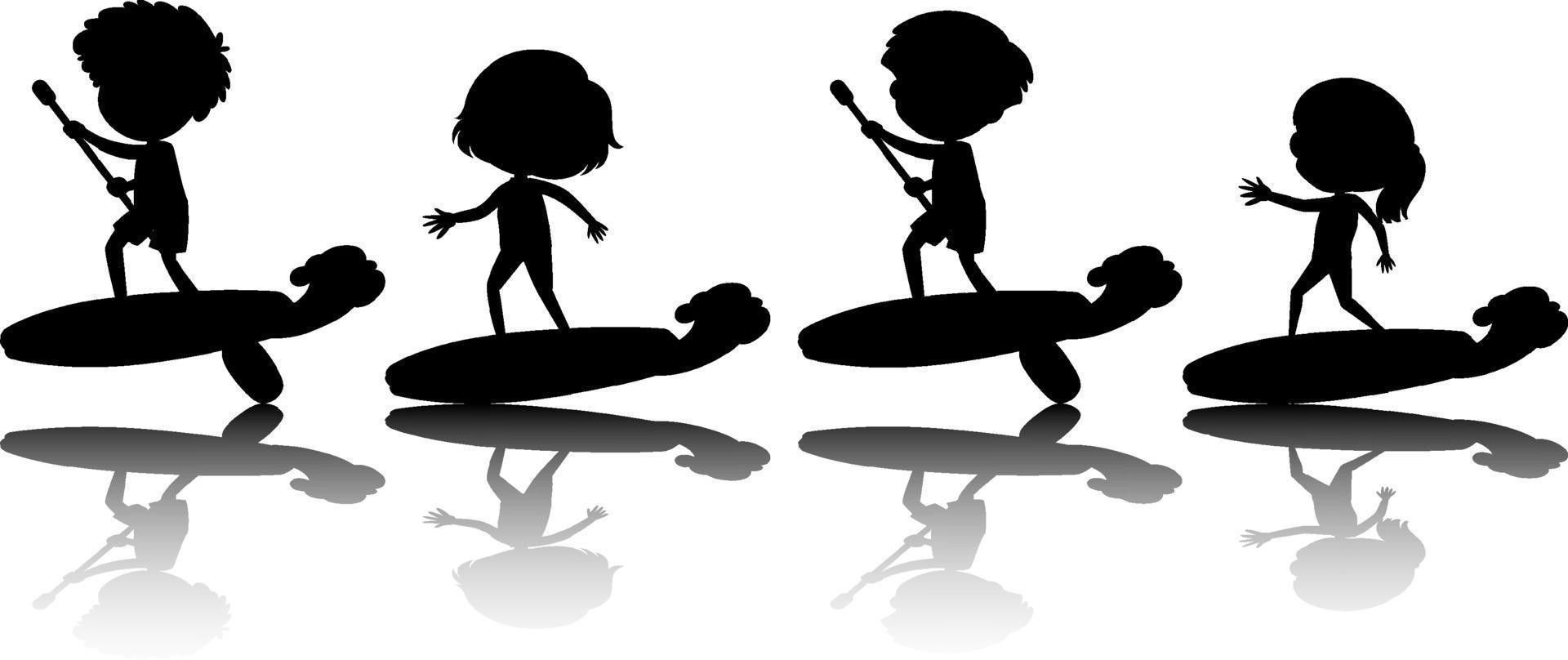 conjunto, de, diferente, niños, en, tabla de surf, silueta vector