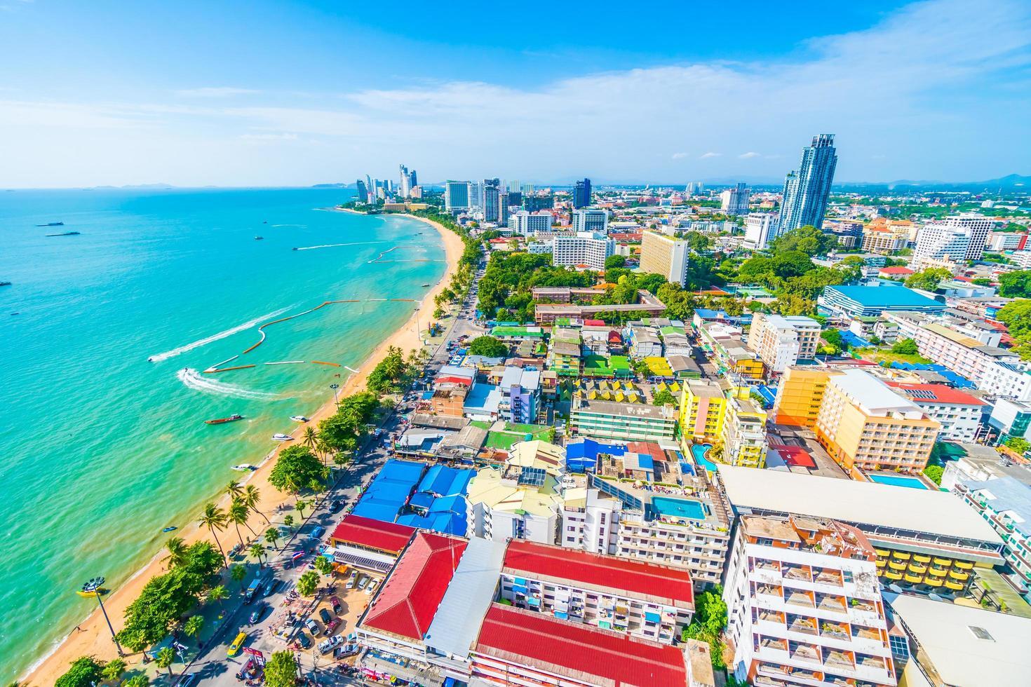 ciudad y bahía de pattaya foto