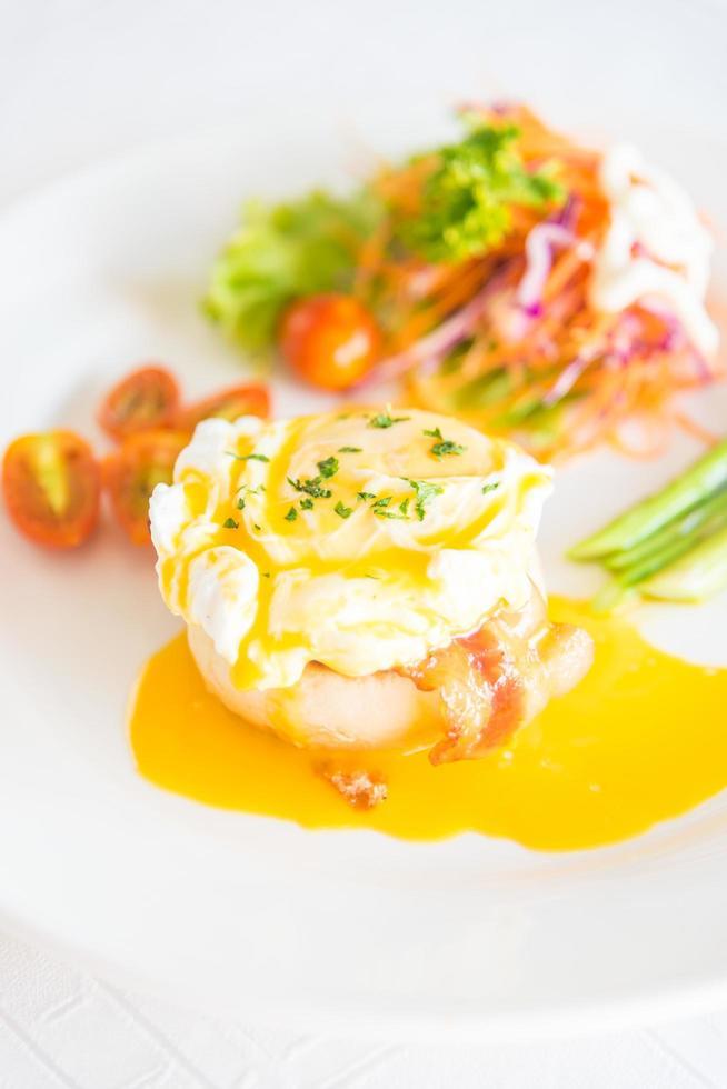 huevos benedictinos para el desayuno foto