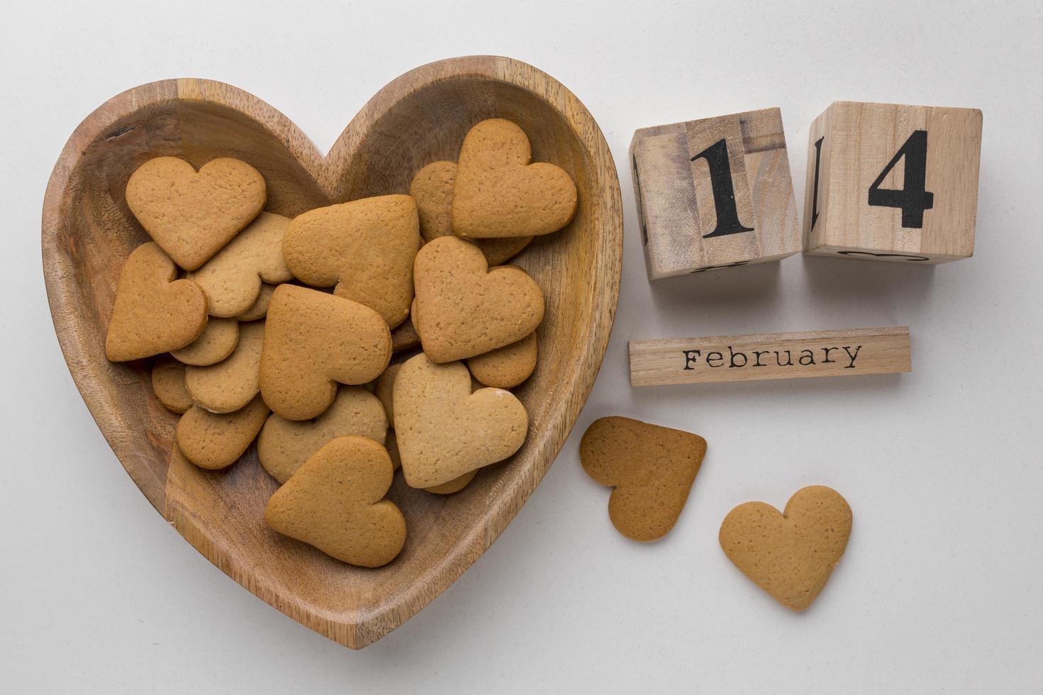 vista superior de deliciosas galletas del día de san valentín foto