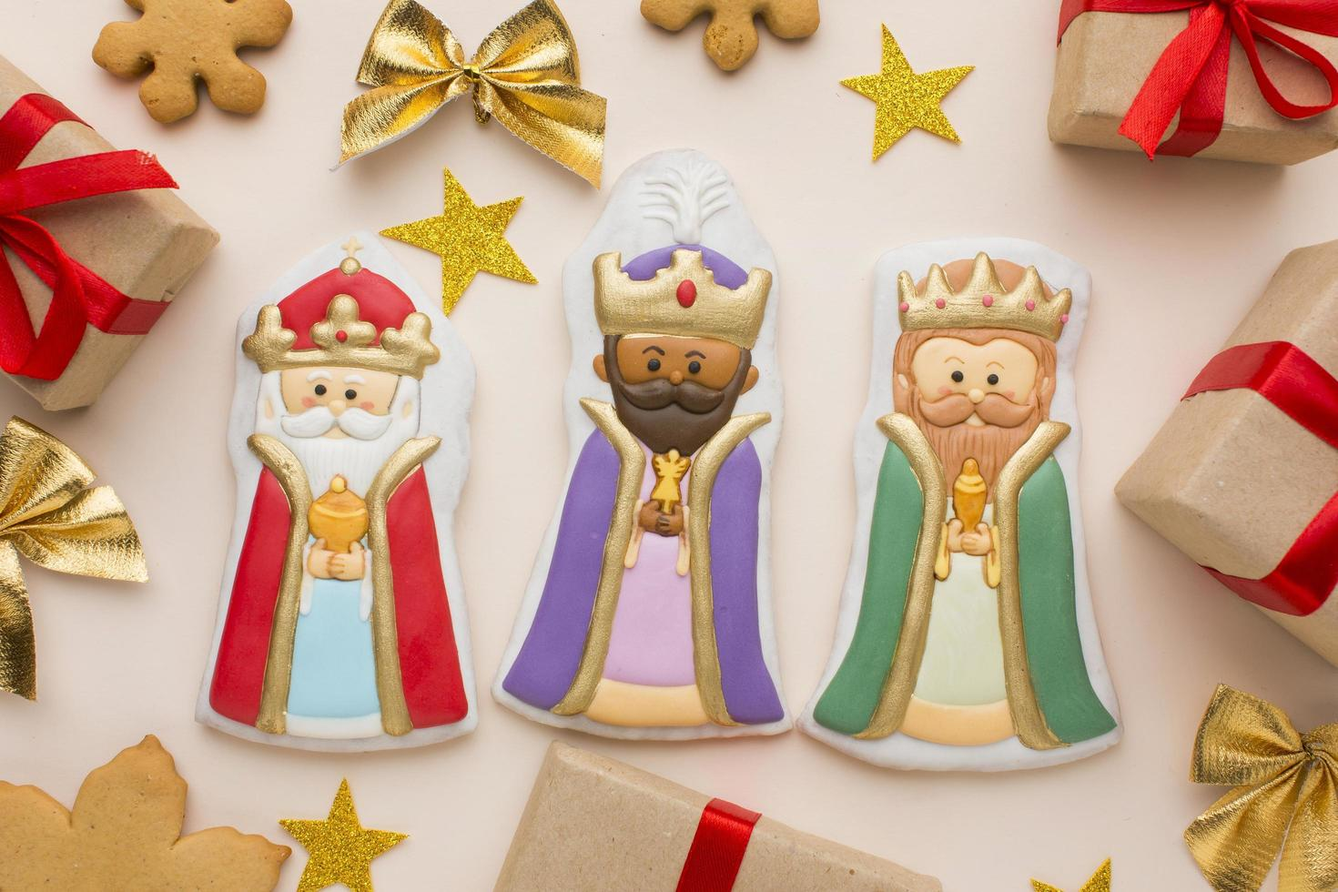 figuritas comestibles de galletas de la realeza foto