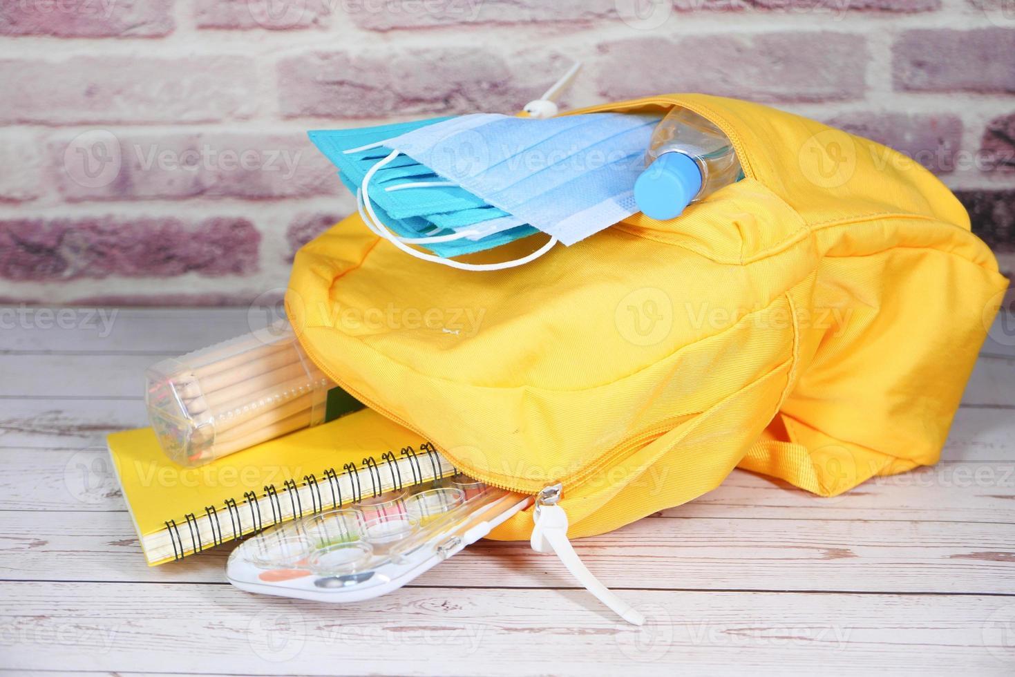 bolso de escuela del estudiante foto