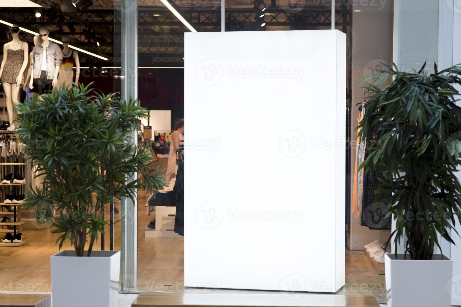 simulacro de caja de luz dentro de la tienda. concepto de fotografía hermosa de alta calidad y resolución foto