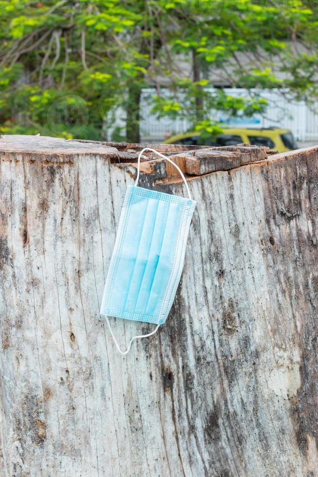 máscara protectora azul desechable, utilizada para la protección contra el cornavirus foto