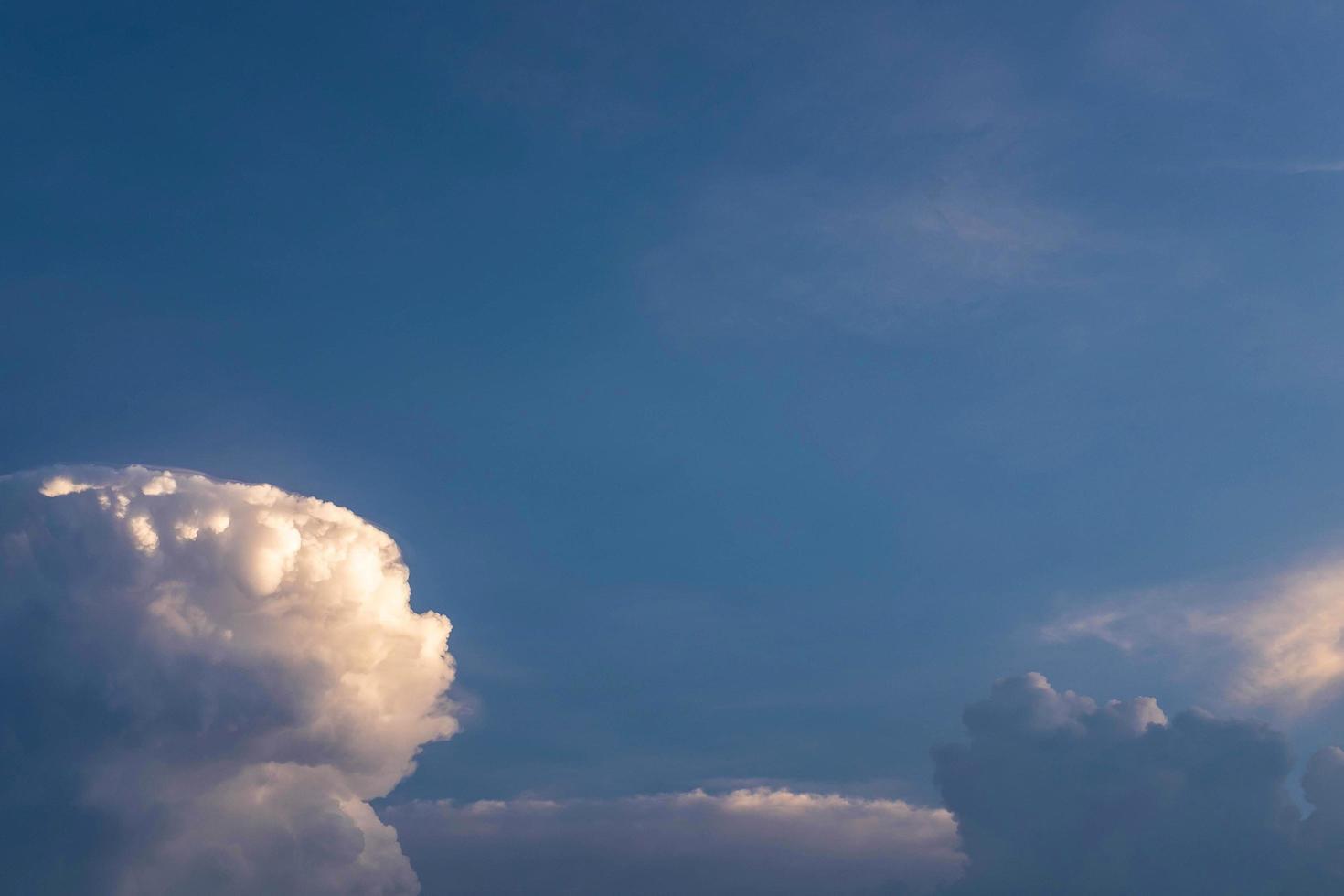 fondo de nubes y cielo foto